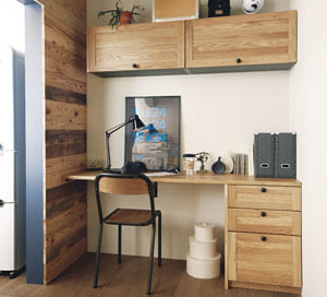 ミドルキャビネット/アッパーキャビネット 出番の少ない食器などの収納に便利なアッパーキャビネットや、目線の高さに収納できるミドルキャビネットをご用意。 使い勝手に合わせてお選びください。